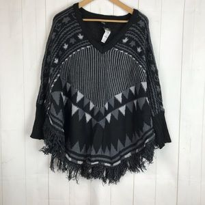 NWT Rue 21 Black Gray Cape Poncho